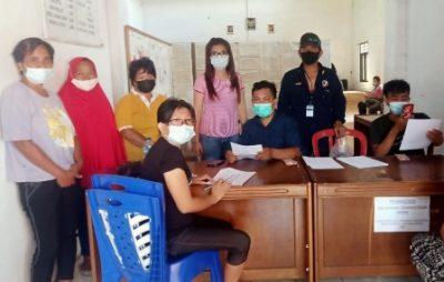 Penyaluran BST di kelurahan Uwuran Dua