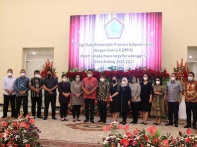 Foto bersama Gubernur Sulut Olly Dondokambey dengan Komisi X DPR-RI usai Tatap muka